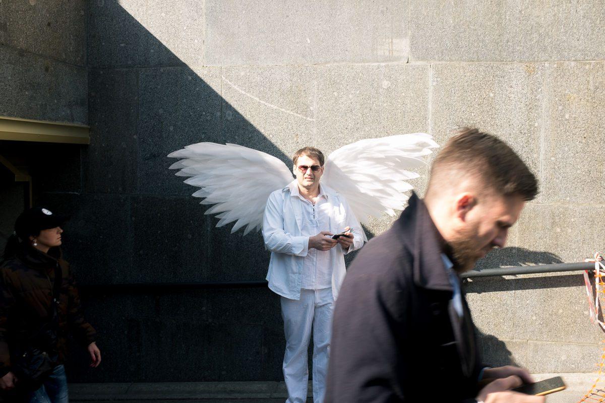 Ilya Daesque - Photographs of people street photography