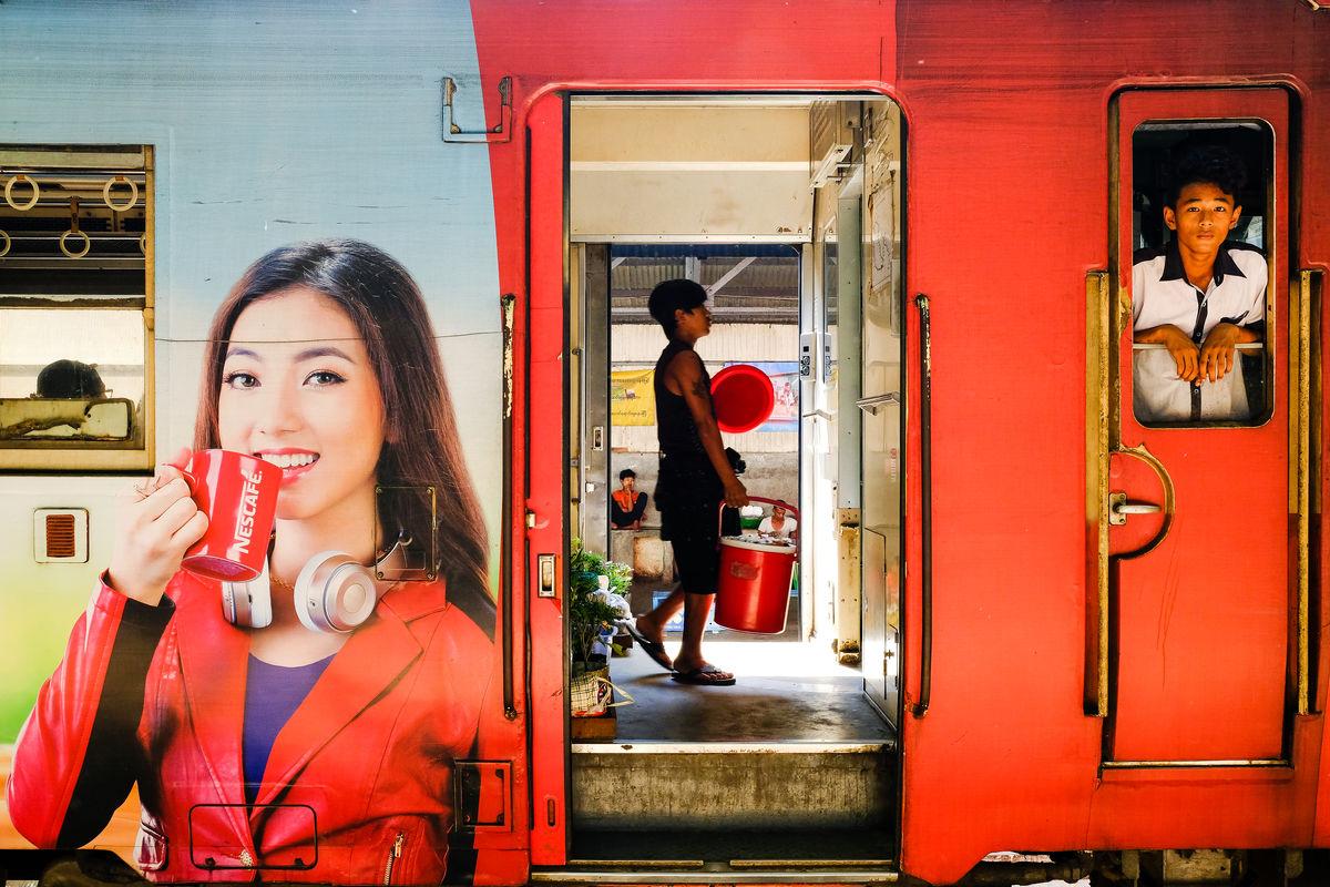 street-art-maungthaw-aung